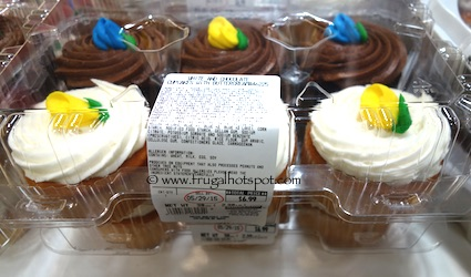 White and Chocolate Cupcakes with Buttercream Frosting 6 ct 38oz Costco
