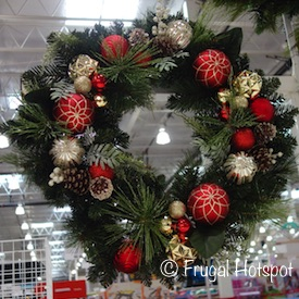 "30"" Wreath with Decorations 