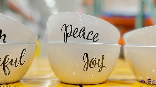 Signature Housewares Bowls with Inspiration Words | Costco Display 1518455